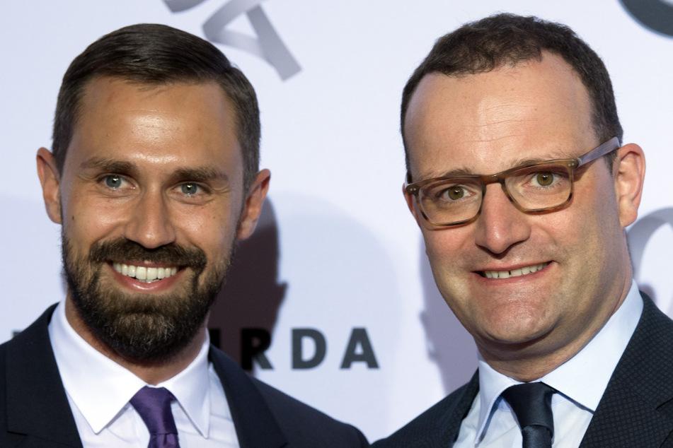 Masken-Deal! Firma von Spahns Ehemann machte Geschäft mit Gesundheitsministerium