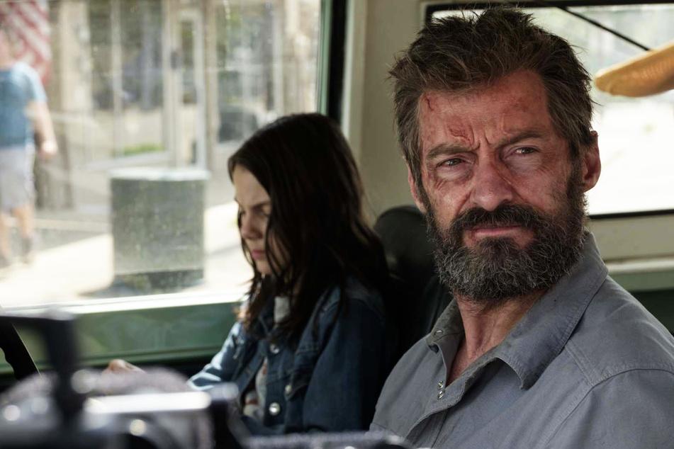 Schauspiel-Star Hugh Jackman (52, r.) trauert um seinen Vater.