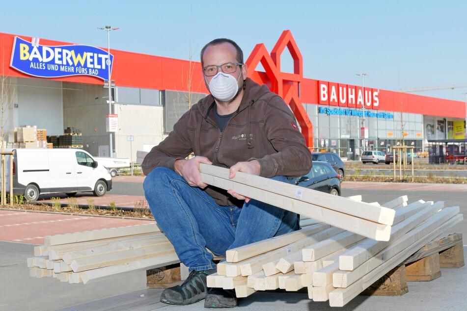 Christoph Braun (41) ist versorgt. Der Orthopädie-Techniker besitzt einen Gewerbeschein, mit dem er seine Bestellung abholen kann.