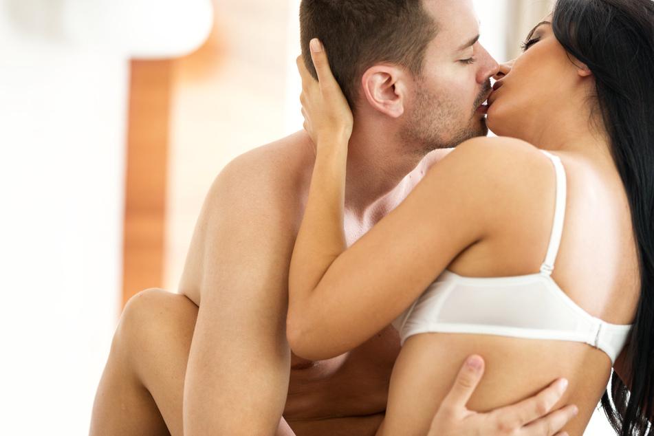 Frau geht fremd und macht danach mit ihrem Ehemann ganz besondere Sex-Erfahrung