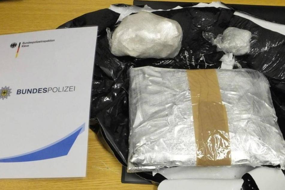 Schmuggler mit kiloweise Drogen im Gepäck erwischt