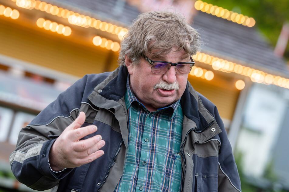 Für den Chemnitzer Schausteller Klaus Illgen (73) bedeutet das Kät-Aus ein großer finanzieller Verlust (Archivbild).