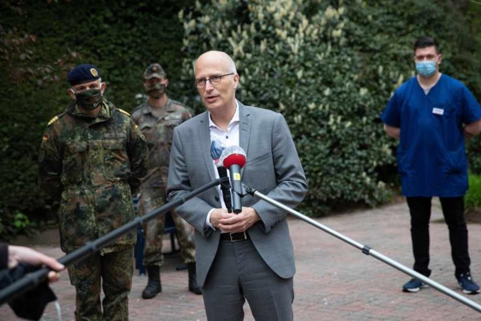 Peter Tschentscher (SPD), Erster Bürgermeister in Hamburg, dank der Bundeswehr für ihren Einsatz.