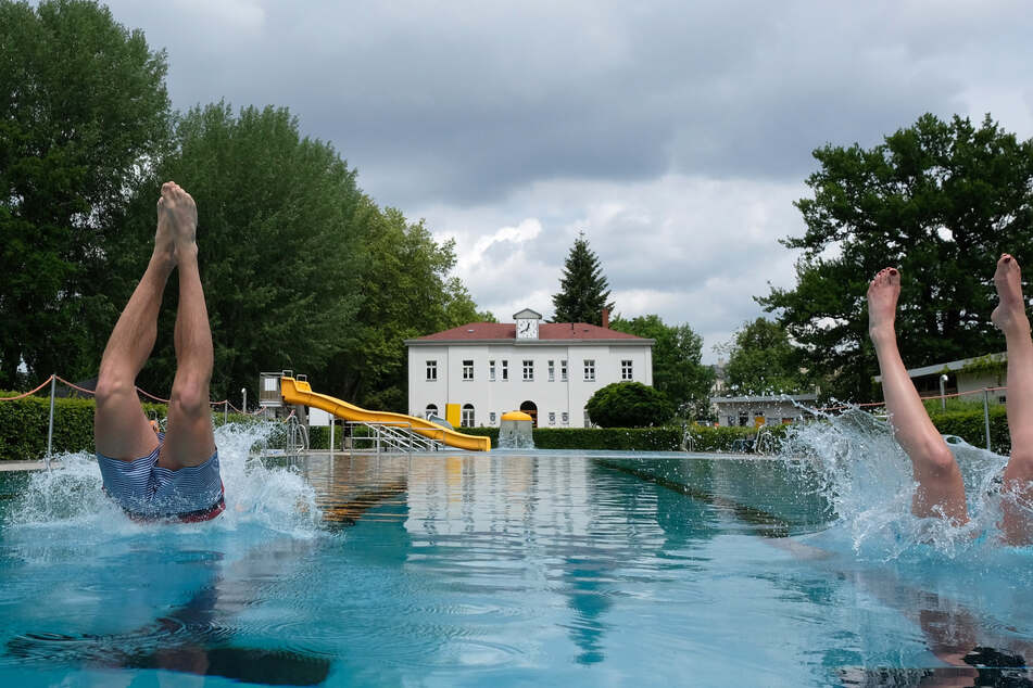 Ins Wasser gefallen: Für diesen Sommer ziehen Sachsens Freibäder eine mäßige Bilanz. (Archivbild)
