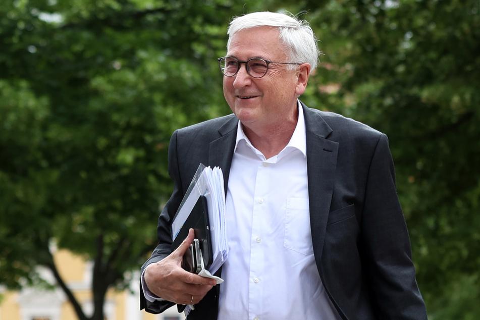 Michael Richter (67, CDU), Sachsen-Anhalts Minister der Finanzen und Minister für Inneres und Sport, stellte Lockerungen für Sportveranstaltungen in Aussicht.