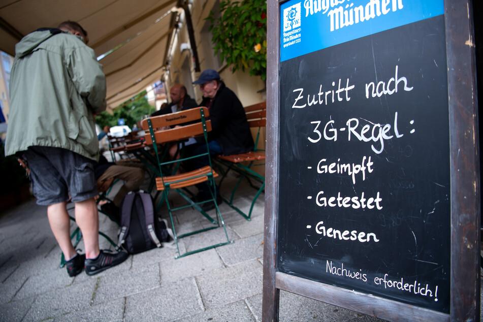 Ab Montag entfällt im Landkreis Zwickau die 3G-Regel für Restaurantbesuche. (Symbolbild)