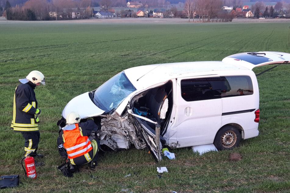 Auch der Nissan erlitt durch den Zusammenstoß einen Totalschaden.