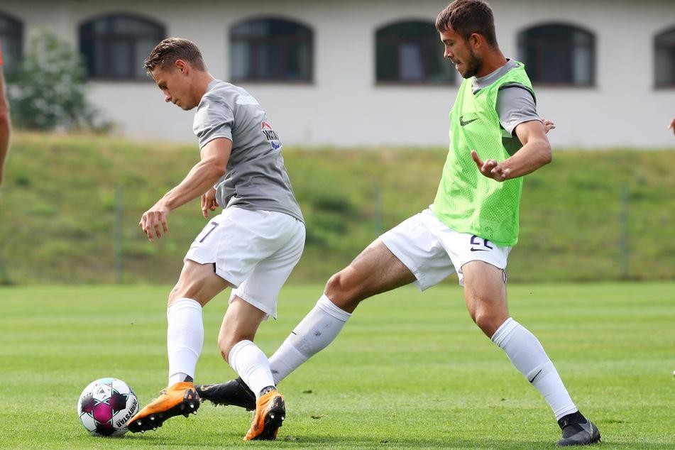 Zwei aus dem eigenen Nachwuchs, die den Sprung noch nicht ganz geschafft haben: Sascha Härtel (22, l.) und Niklas Jeck (19).