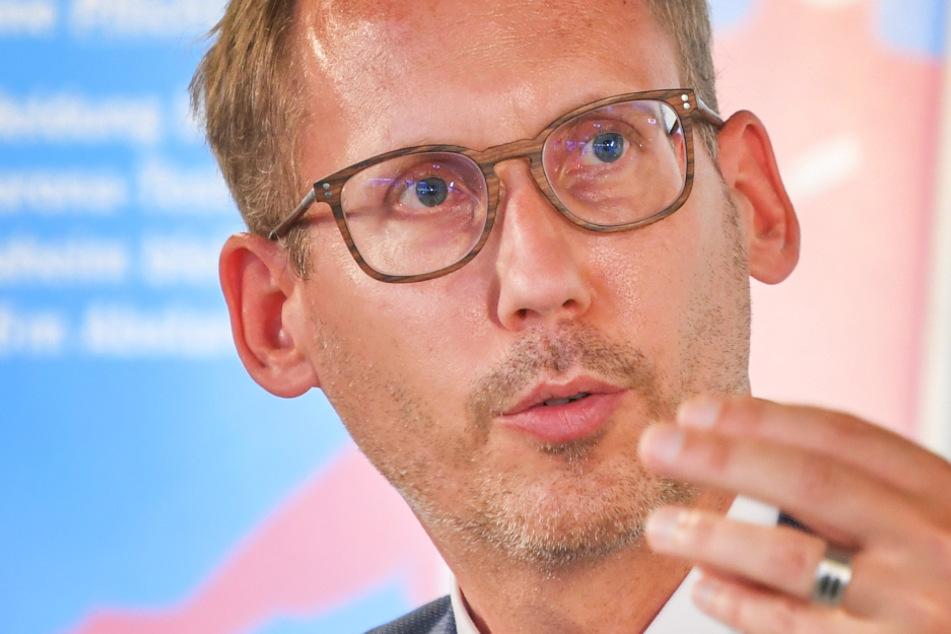 Das Foto aus dem August 2020 zeigt Hessens Sozialminister Kai Klose (47, Grüne).