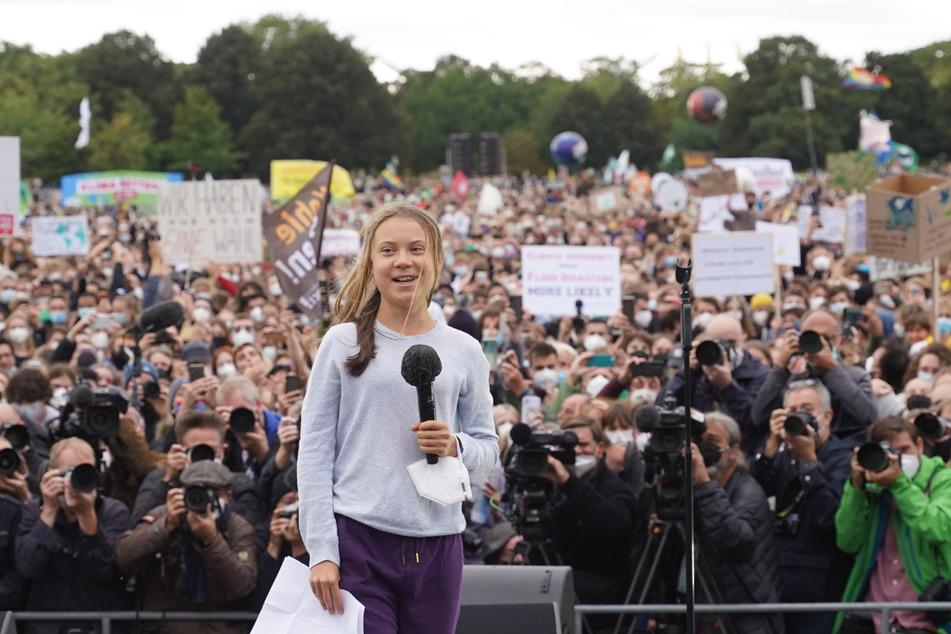 Greta Thunberg (18) sprach am Freitag in Berlin vor Tausenden Demonstranten und Demonstrantinnen.