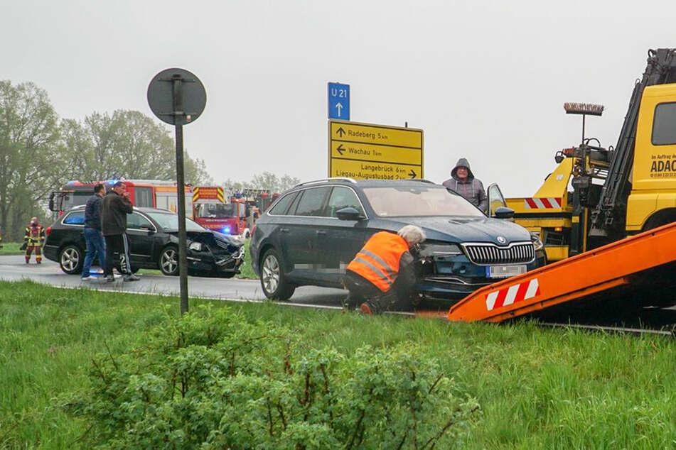 Sowohl der Skoda als auch der VW mussten abgeschleppt werden.