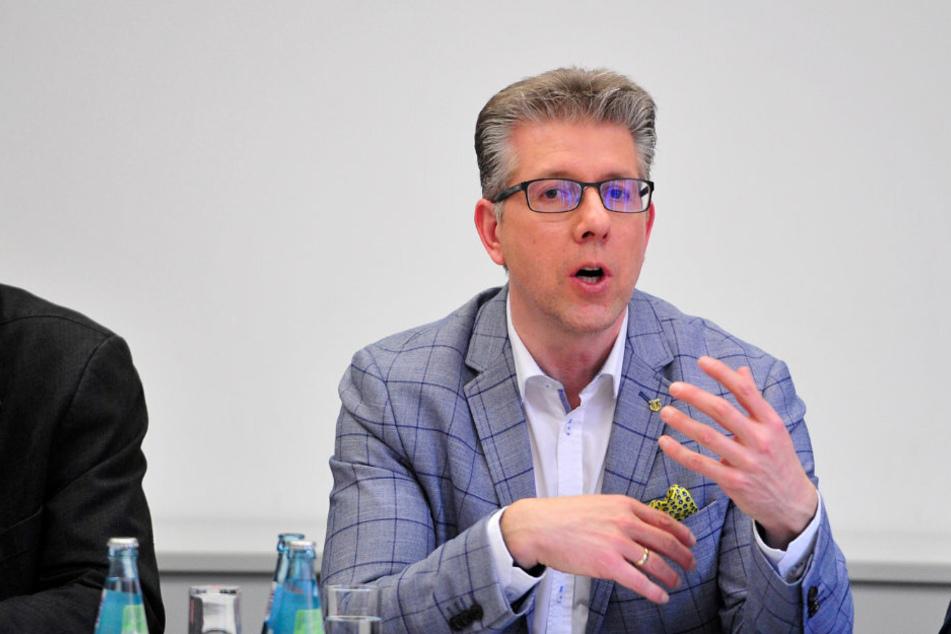 Ralph Burghart (50, CDU) verhandelte in Dresden über den Verbleib von Berufsschulen in Chemnitz.