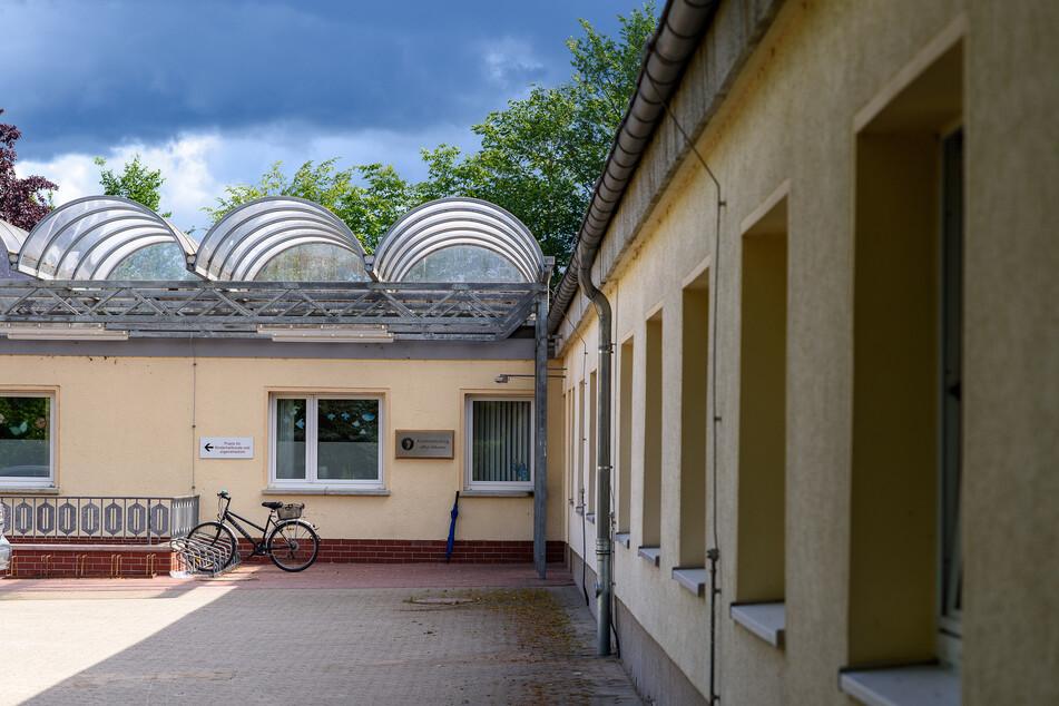 Der Eingang der Kinderklinik Gardelegen.
