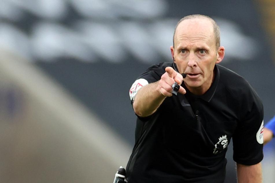 Schiedsrichter gibt Rote Karte, nun bekommt er Morddrohungen