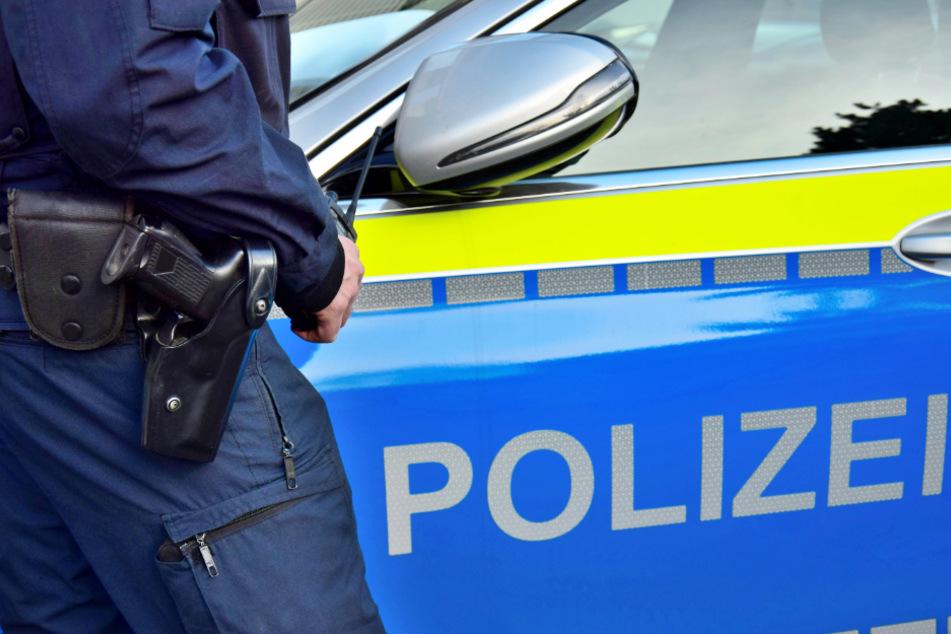 Die Polizei löste eine Feier in Gera auf und nahm zwei Männer in Gewahrsam. (Symbolbild)