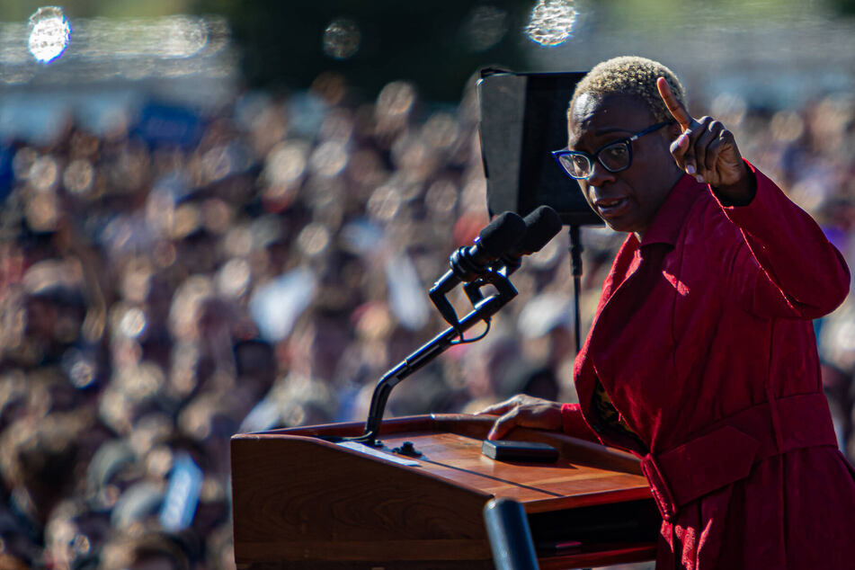 Is Nina Turner back on her feet for another go on the Ohio campaign trail?