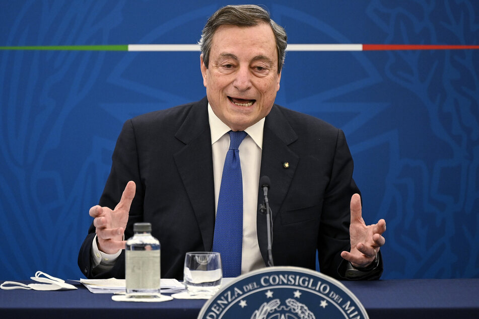 Italiens Ministerpräsident, Mario Draghi (73).