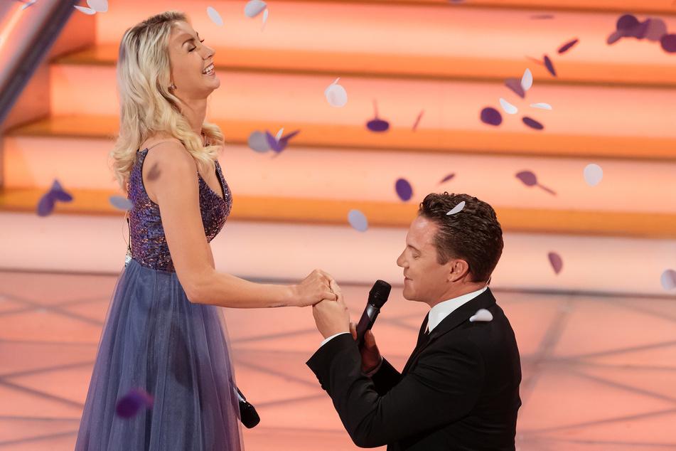 """Mross hatte Woitschack der ARD-Sendung """"Adventsfest der 100.000 Lichter"""" einen Heiratsantrag gemacht."""