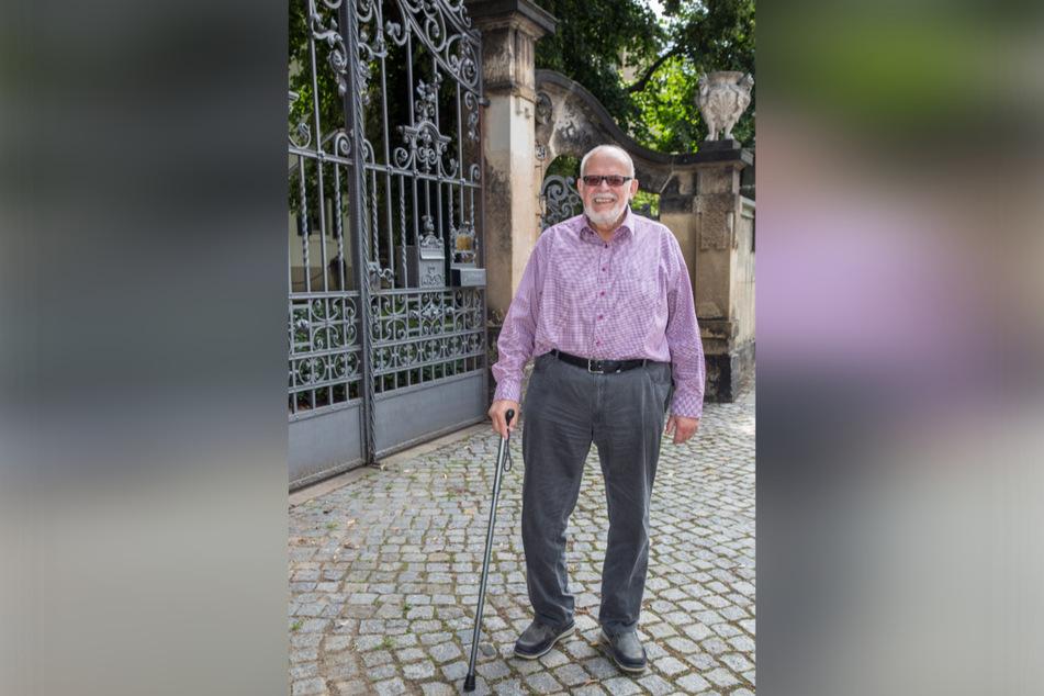 Der Stadtteilhistoriker Uwe Meyer-Clasen (79) hat die Geschichte des Schlösschens aufgearbeitet.