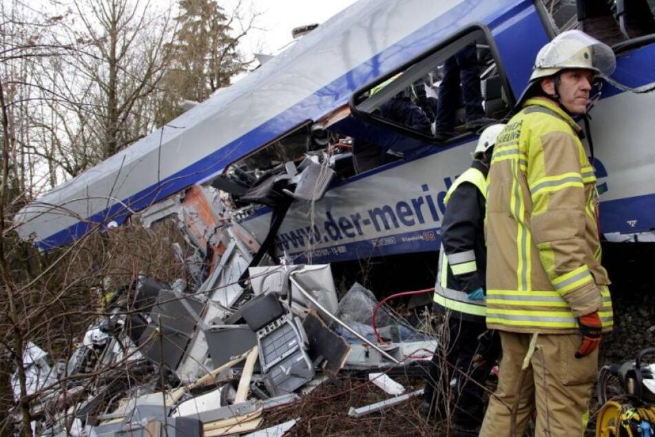 Zugunglück mit 11 Toten: Fahrdienstleiter von Computerspiel abgelenkt
