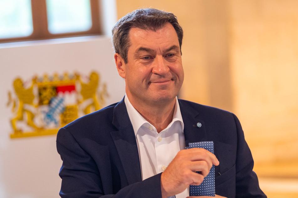 Markus Söder (53, CSU), Ministerpräsident von Bayern, nimmt zu Beginn der Kabinettssitzung im Kuppelsaal der Bayerischen Staatskanzlei seinen Platz ein.