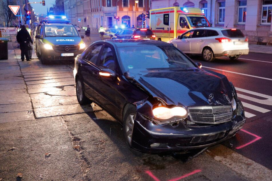 Nach dramatischem Unfall in Chemnitz: Vier junge Frauen verletzt