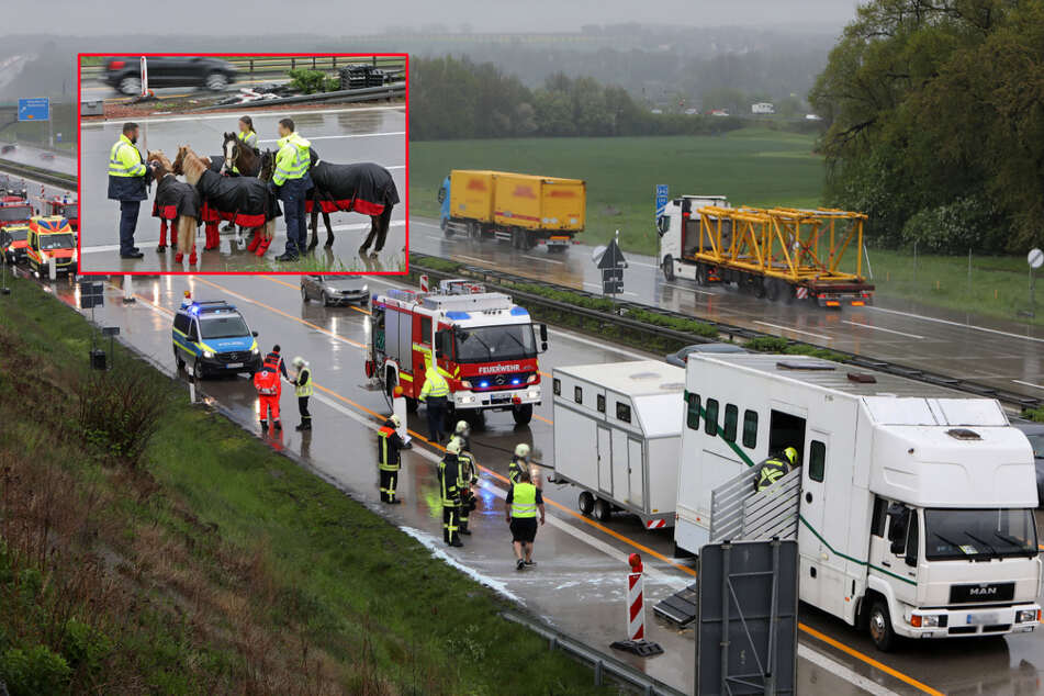 Mitten auf der A4: Rad an vollbeladenem Pferdetransporter fängt plötzlich Feuer