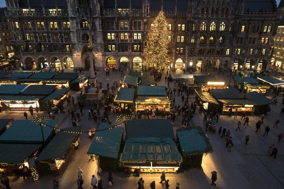 Der Christkindlmarkt rund um den Marienplatz in München soll in diesem Jahr wieder stattfinden. Eine endgültige Entscheidung gibt es aber noch nicht.