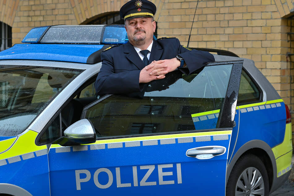 Ältere seien eine besonders verletzliche Zielgruppe für Betrüger. Die Isolation durch die Pandemie würde dies noch fördern, warnte nun Polizeipräsident René Demmler (49).