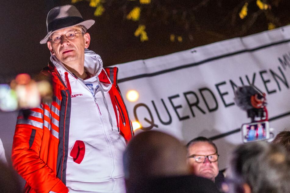 """Querdenken"": 500 Menschen demonstrieren in Schwerin"
