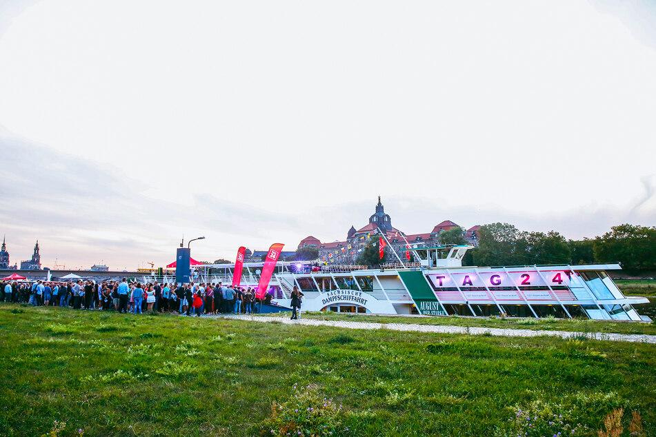"""Hunderte Partybegeisterte dürfen am 21. August an Bord von """"August der Starke"""" kommen."""