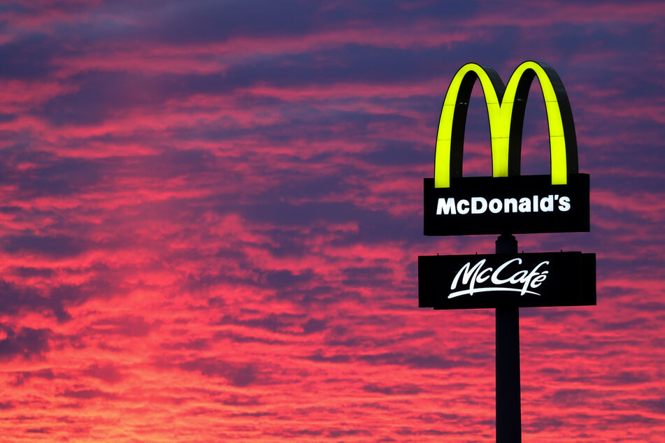 Schießerei im McDonald's Drive-In: Siebenjähriges Mädchen kommt ums Leben
