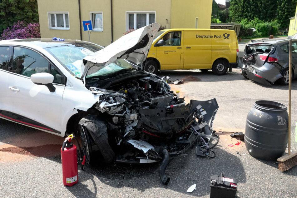 Schwerer Unfall im Erzgebirge: Mehrere Verletzte, darunter zwei Kinder