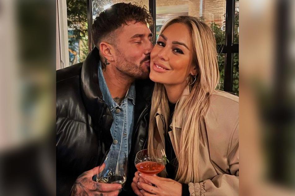 """Sam und """"Love Island""""-Star Mischa Mayer (29) sind seit knapp zwei Monaten ein Paar, doch nicht jeder scheint ihnen ihr Glück zu gönnen."""