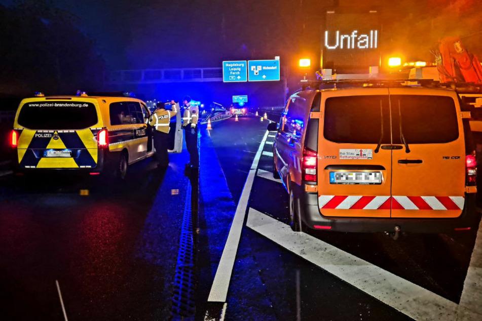 Auf der A10 bei Michendorf hat sich in der Nacht zu Dienstag ein spektakulärer Crash ereignet.