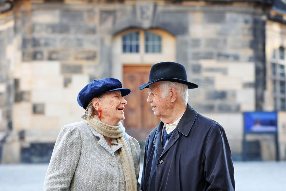 Es geht nur miteinander. Ingrid (89) und Kurt Biedenkopf (90) in Dresden.