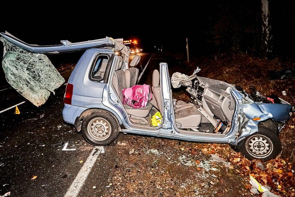 In dem völlig zerfetzten Mazda...