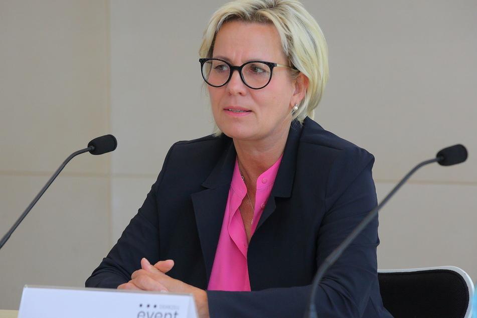 Sachsens Kultur- und Tourismusministerin Barbara Klepsch (55, CDU) sagte am Dienstag die aktuelle Skisaison ab.