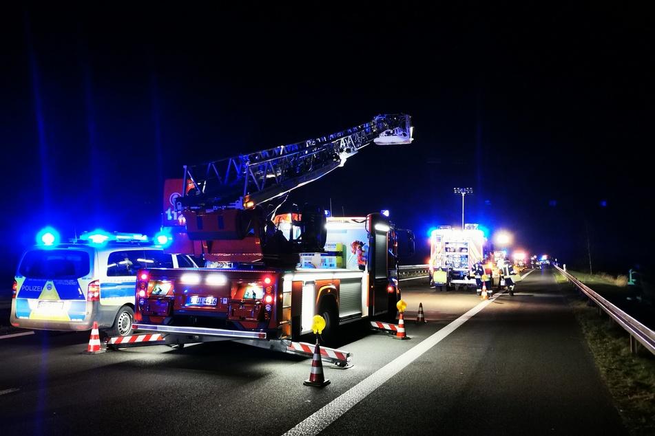 Feuerwehr und Rettungskräfte sind im Einsatz.