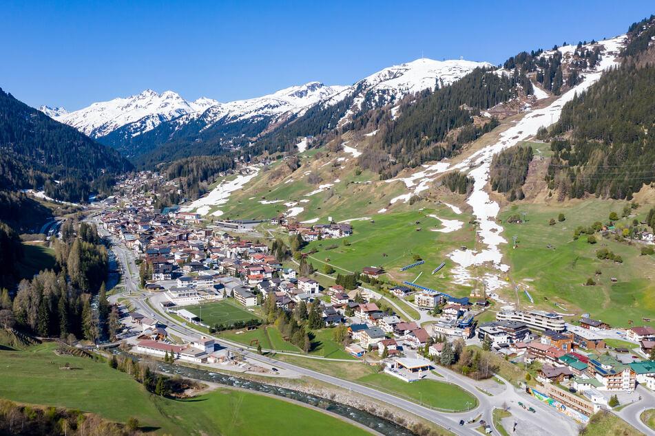 Coronavirus: Junge Leute stürmen Wintersportort St. Anton am Arlberg