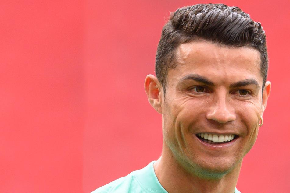 Ronaldo stellt Coca-Cola-Flaschen weg, Konzern verliert Milliarden Dollar