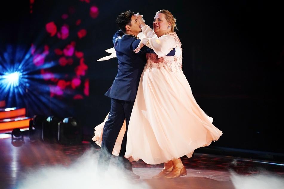 """Ilka Bessin (48) und ihr Tanzpartner Erich Klann (33) haben es bis ins Viertelfinale von """"Let's Dance"""" geschafft."""