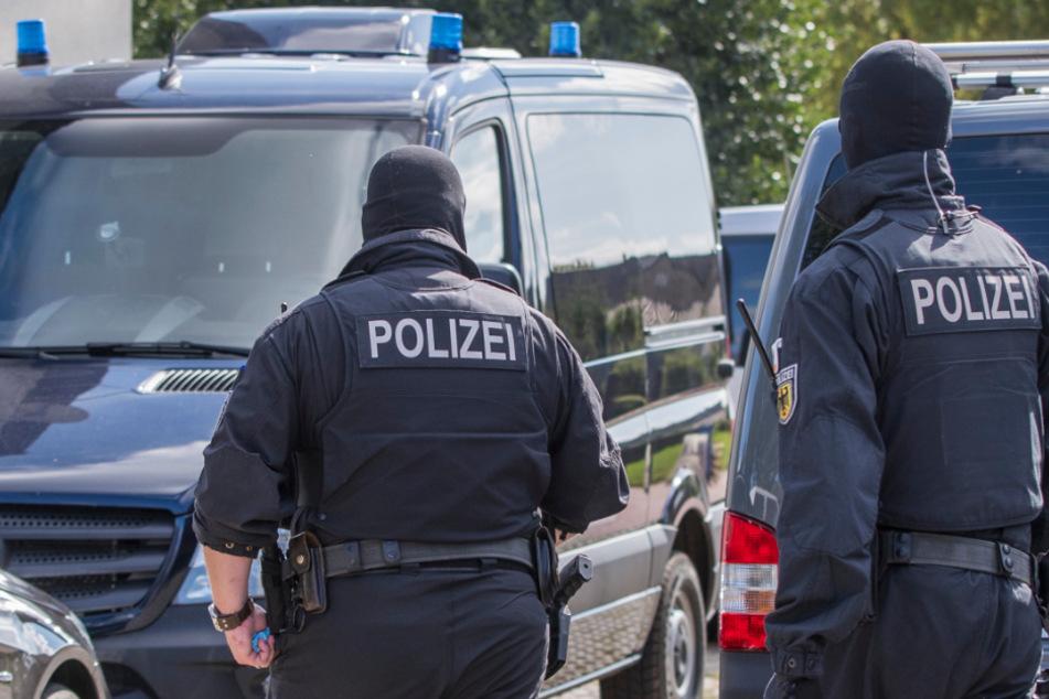 """Half Behörden-Mitarbeiter unheimlicher Preppergruppe """"Nordkreuz""""?"""