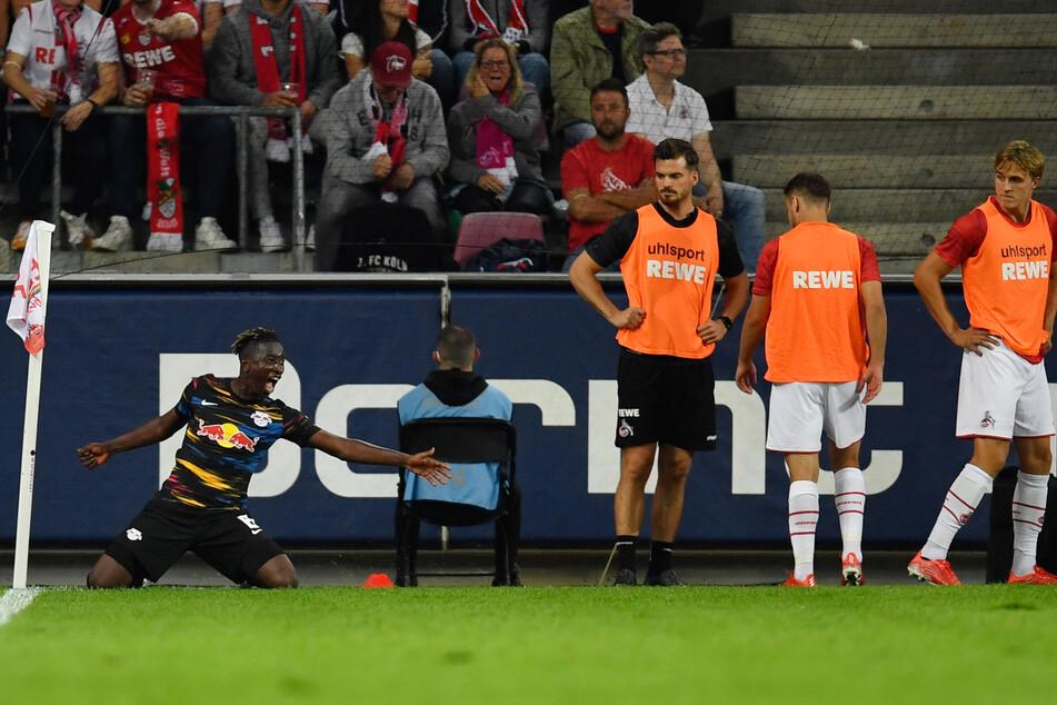 Haidara feierte an der Eckfahne, die Kölner Auswechselspieler gratulierten nicht.