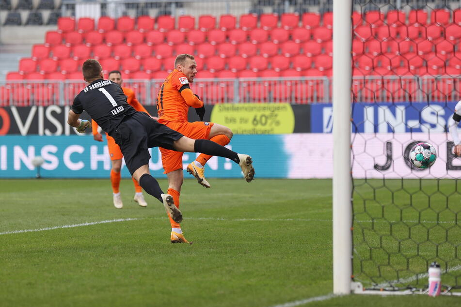 Ben Zolinski war zur Stelle und traf gegen Sandhausen zum 2:1 für Aue.