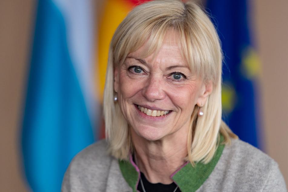 Sozialministerin Carolina Trautner (CSU) rief zur Hilfe für Ältere auf. (Archiv)
