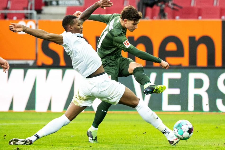 Im Hinspiel setzte sich der VfB Stuttgart in einem spektakulären Spiel mit 4:1 durch.
