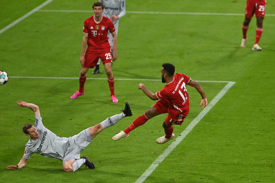 Schöner Treffer! Eric Maxim Choupo-Moting (r.) schoss den FC Bayern München in der Allianz Arena gegen Bayer 04 Leverkusen in Führung.