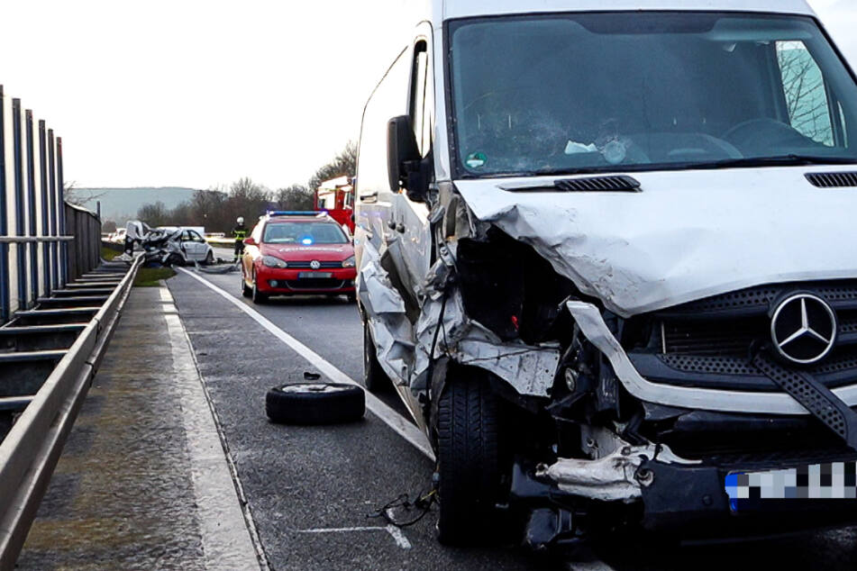 Der Fahrer des Transporters blieb unverletzt.