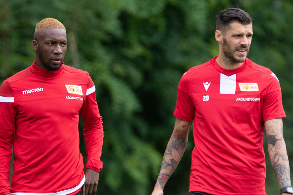 Sheraldo Becker (25, l) und Christopher Trimmel (33). (Archivbild)